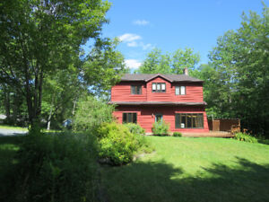 Large Home with Privacy - Waverley