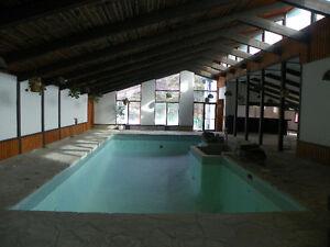 Centre sportif avec piscine restaurant pour le prix d'une maison