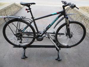 rack Thule avec 2 supports à vélo