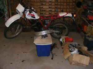 Pieces Yamaha XT350