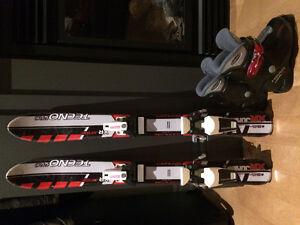 Ensemble de skis et bottes pour enfant