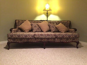 Simply Lovely Sofa Set