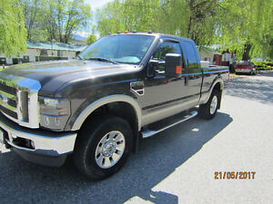 2008 Ford F-250 lariat Pickup Truck