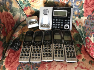 Panasonic 4 set cordless phone with answering and Bluetooth