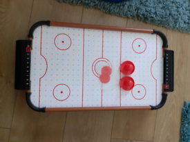 Air hockey game complete