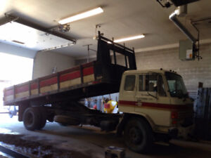 1988 HINO Stake 6 CYL  132,600 KMS - Excellent Condition!