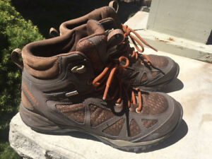 Merrell Ladies Siren Q2 Mid Waterproof Hiking Shoes Boots size 9