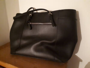 Used Authentic Guess Purse