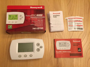 Honeywell FocusPRO 6000 TH6110D1005 Programmable Thermostat