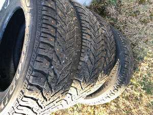 Four Winter tires size 205 65R 15