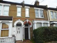 2 bedroom flat in Ashburnham Road, Southend-on-Sea, SS1