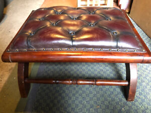 OTTOMAN Non - Leather Vintage Look. Great condition