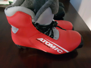 Kids SNS profil cross country ski boots. Size 1.5 and 3
