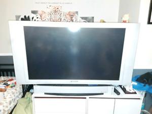 """Téléprojecteur HD 50"""" (besoin changer lampe 50$ sur Amazon )"""