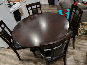 4ft Dining Room Table and 4 Chairs