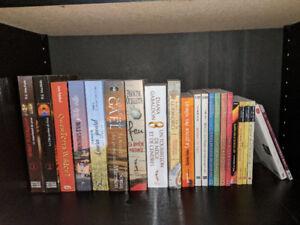 Lot de livres, mangas, romans