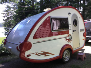 T@b Tear Drop Retro Travel Trailer