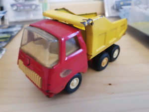 Vintage 70's Tonka around 1:43 scale Dump Truck