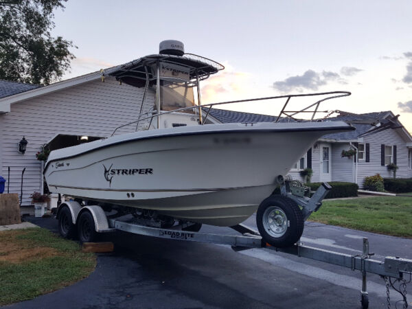 Used 2006 Seaswirl 2101 Center Console