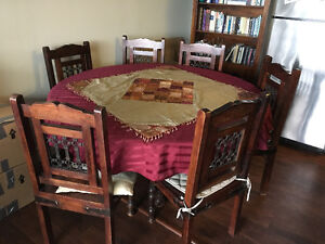Dining table and 4 chairs: priced far quick sale