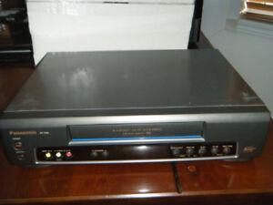 Lecteur VHS  Panasonic   Hi-Fi stereo