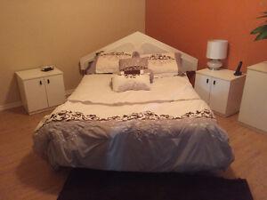 Mobilier de chambre à couché