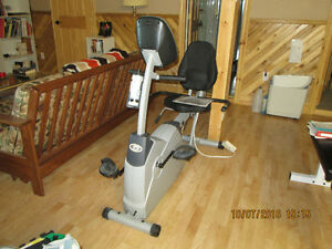 Diamond Back 460 series recombent exercise bike Gatineau Ottawa / Gatineau Area image 1