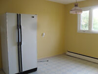 3 bed. apt. $890/month all incl. with WIFI + parking