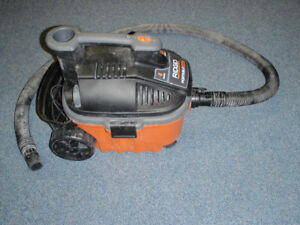 RIGID Portable Vac 4 gallon / Aspirateur / ShopVac / Vacuum