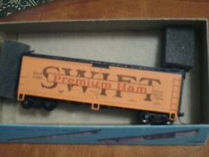 HO scale Swift Premium Ham box car for electric model trains