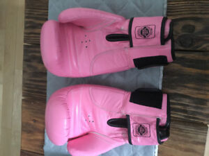 Twins Special Woman's All Leather Boxing Gloves
