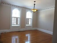 2 BR RENOVATED HERITAGE – HEART OF DOWNTOWN