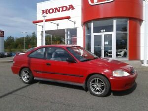 Honda civic très propre 2800$ !!!