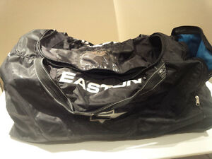 Easton hockey bag with wheels, never used