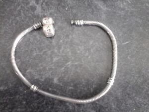 Authentique bracelet Pandora