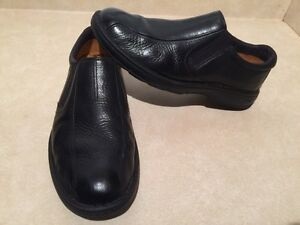 Men's Timberland Leather Slip-On Shoes Size 10 London Ontario image 2