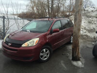2004 Toyota Sienna Le Camionnette