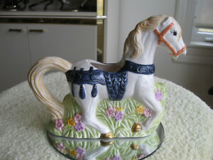 ....ADORABLE OLD VINTAGE MILK JUG..for the HORSE LOVER