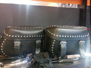 2005 SOFTAIL DELUXE ...bags... pipes... seat