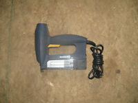 "5/8 - 1 1/4 "" ( 18 - gauge ) Electric Brad Nailer."