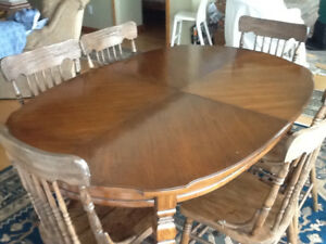 Antique Oak Dining Table w chairs
