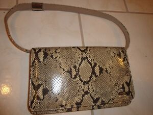 NINE WEST PURSES - NEW, NEVER USED! (WITH TAGS)(PAID $79) London Ontario image 4