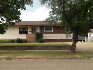 Home for sale in bilingual community of Gravelbourg