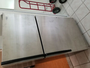 Whirlpool stainless steel top freezer bottom fridge refrigerator