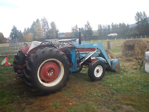 Tractor with 6 attatchments