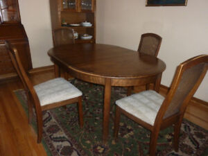 Vintage dining table, 4 chairs