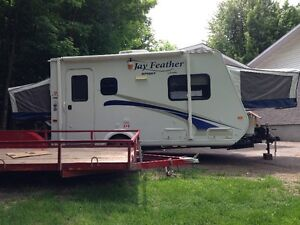 2011 Jayco 17 foot Hybrid Travel Trailer
