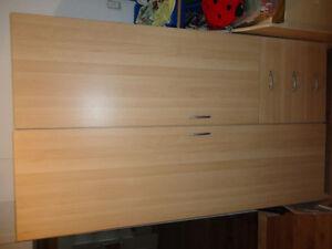 penderie commodes et armoires dans qu bec petites annonces class es de kijiji. Black Bedroom Furniture Sets. Home Design Ideas