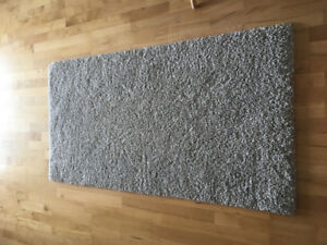"""White and fleck of grey rug 60""""x31.5"""""""