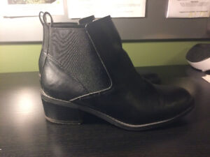 Chelsea style boots (Call it Spring)